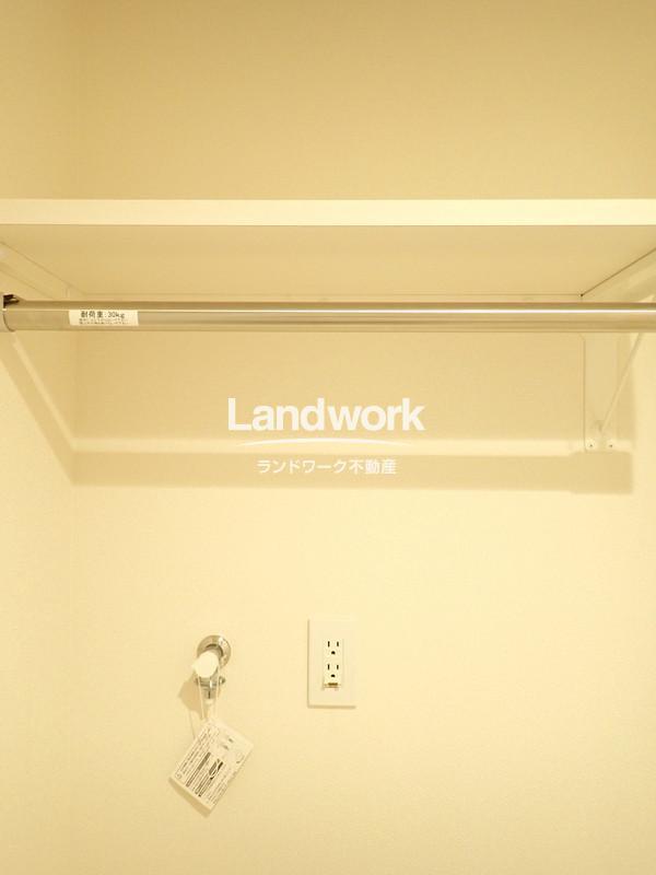 室内洗濯機置き場(収納部分)